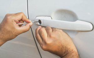 How to Remove A Car Lock Without Any Causes